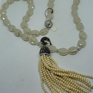 Ecru faceted crystal necklace with detachable tass